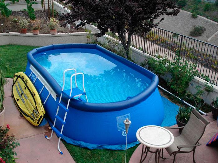Надувные бассейны большого размера без проблем вмещают до 8 человек