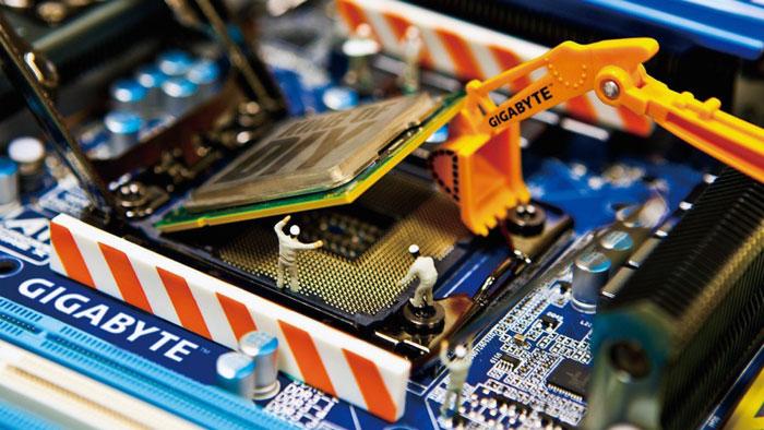 Прежде всего выясните, подлежит ли замене процессор