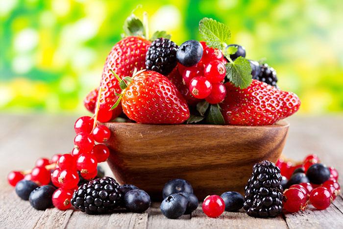 Если у ребенка появилась аллергия, ягоду необходимо исключить из рациона и пробовать не ранее чем через месяц