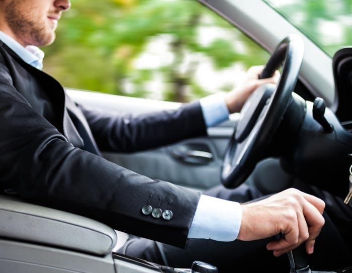Если водитель забыл права, за это полагается штраф