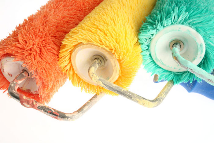 Для покраски водоэмульсионной краской подходит ворсистый валик