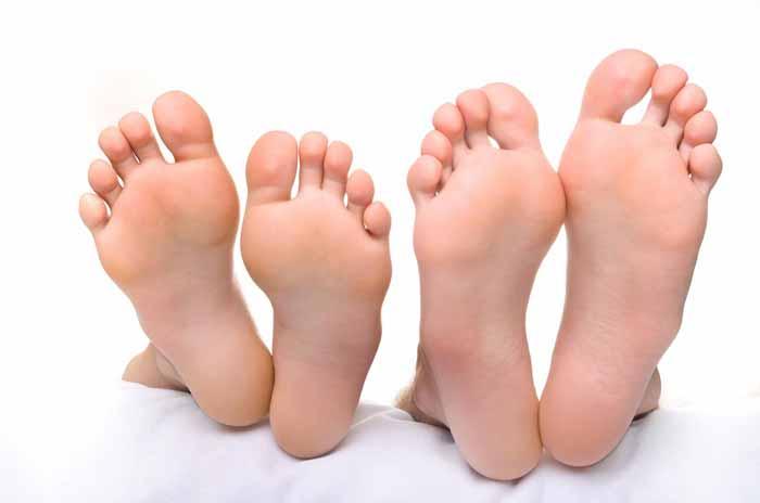Как убрать шишки и наросты на пальцах ног сверху
