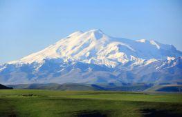 Красивый и опасный Эльбрус. Описание и интересные факты о кавказской вершине