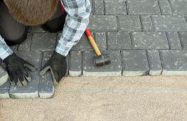 Как укладывать тротуарную плитку своими руками: пошаговая инструкция создания эффектного покрытия