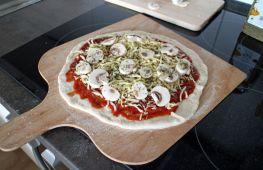 Как приготовить пиццу в духовке на домашней кухне. Условия, ингредиенты, тесто