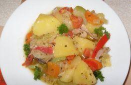 Готовим в мультиварке – тушеная картошка с овощами и мясом