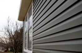 Какой сайдинг лучше для обшивки дома: сравниваем виниловые и металлические панели